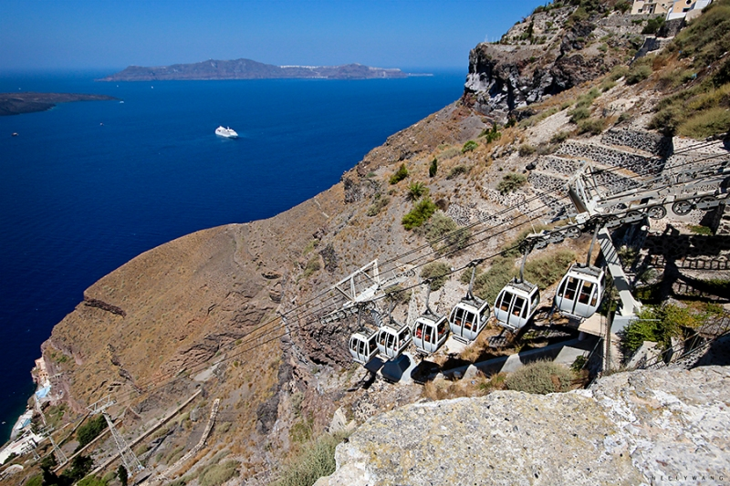 tram up to santorini